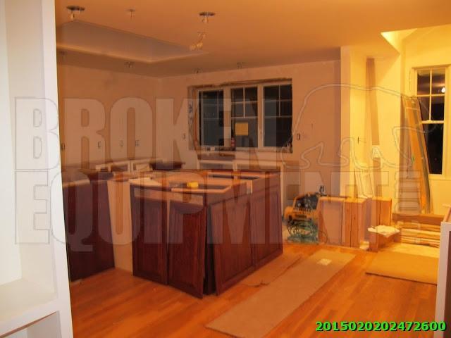 Kitchen Cabinets Mixed Lot